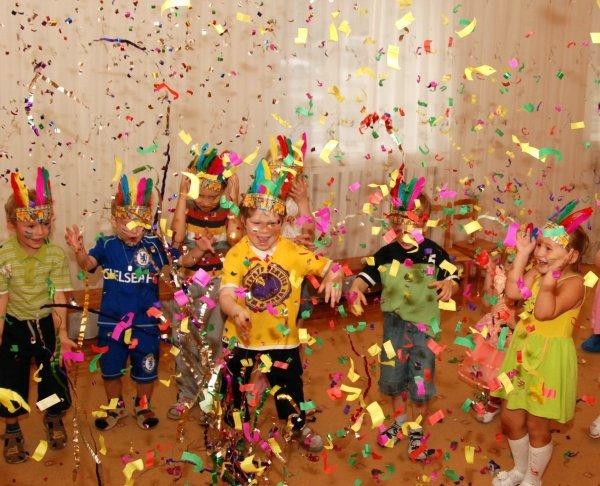 Ближайшие праздники на май 2016